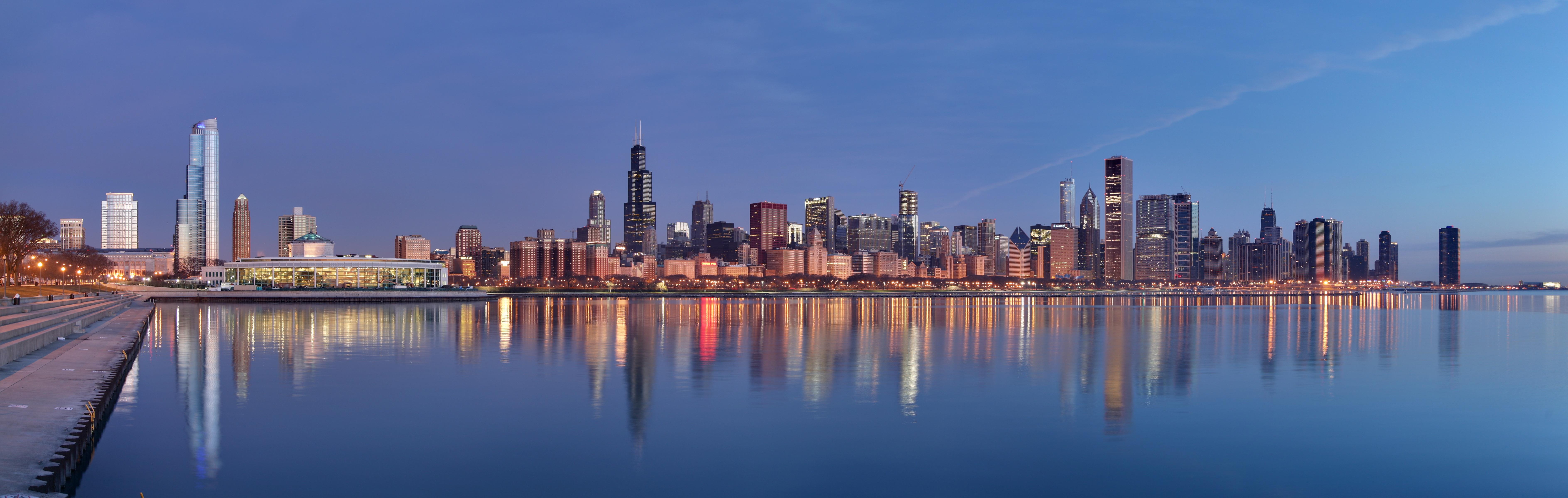 """""""Chicago sunrise 1"""" by Daniel Schwen - Own work. Licensed under CC BY-SA 4.0 via Commons - https://commons.wikimedia.org/wiki/File:Chicago_sunrise_1.jpg#/media/File:Chicago_sunrise_1.jpg"""
