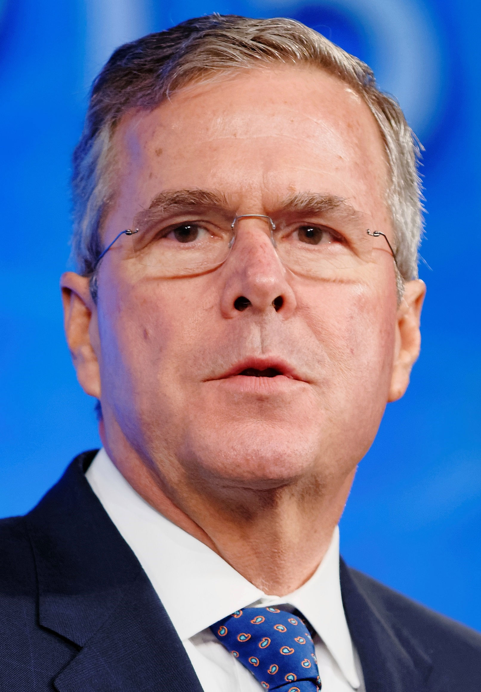 Jeb_Bush_at_Southern_Republican_Leadership_Conference_May_2015_by_Vadon_02