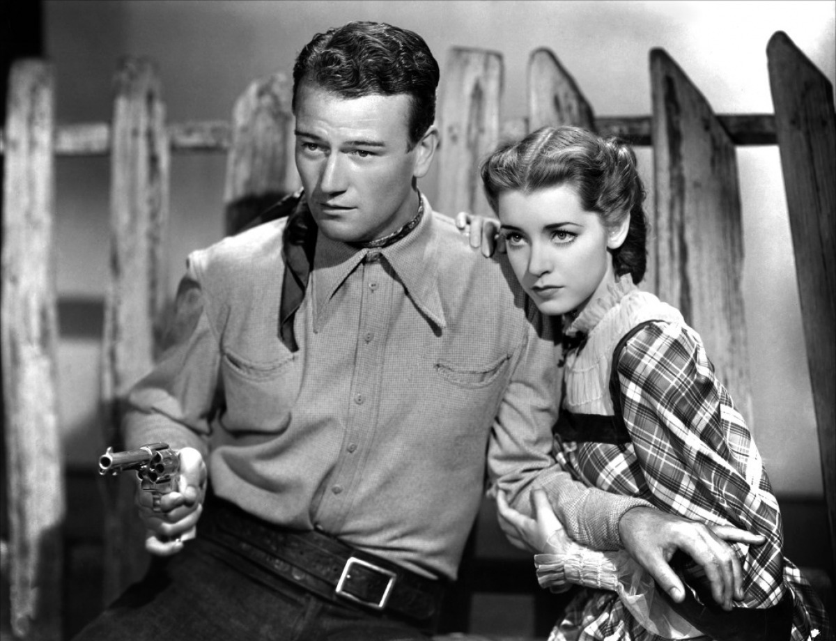 Born_to_the_West_(1937)_1