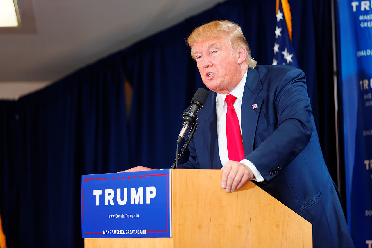 Donald_Trump_Laconia_Rally,_Laconia,_NH_4_by_Michael_Vadon_July_16_2015_21